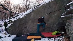 Bouldern im Tessin - mit der Hose von JUNG (c) M. Spengler