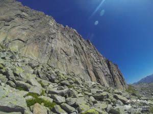 Der erste Blick auf die große Wand des Chli BIelenhorn. Zahlreiche Klettertouren durchziehen dieses feine Stück Fels.