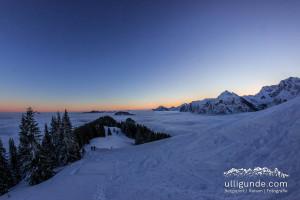 Sonnenaufgang über Hindelang/Allgäu auf der Skitour zum Sonnenkopf
