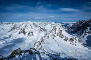 Der Gipfel am linken Rand mit der markanten großen Rinne (Schlauch!? Wie nennt man das im Skibergsteigen?!) sollte das nächste Ziel sein. Jaa klaaar....
