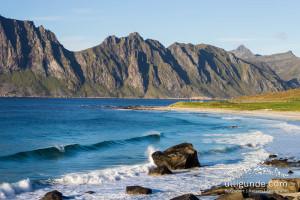 Strand von Uttakleiv, Lofoten, Norwegen.