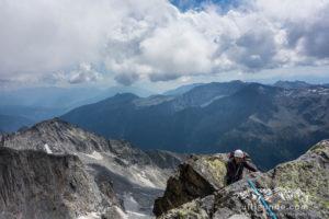 Im leichten Gelände kurz vor dem Gipfel der Hochalmspitze.