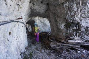 Im Tunnelfenster in der Nordwand der Zugspitze. ©bergführer.com
