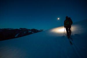 Mit Stirnlampe auf Skitour zum Sonnenaufgang bei Balderschwang