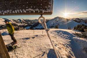 Skitour. Blick vom Heidenkopf zum Siplinger Kopf.