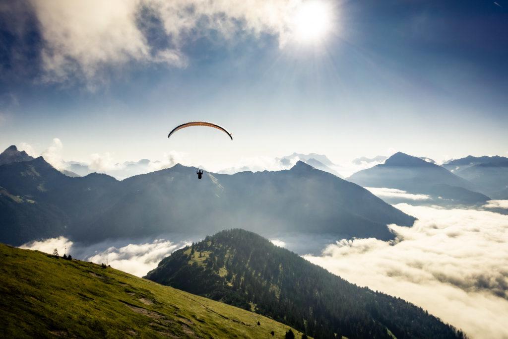 Gleitschirm Wolken Advance Pi2 Tannheimer Tal Tirol