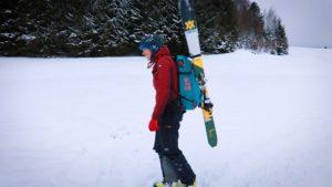 Skihalterung am Ortovox Lawinenrucksack (Ascent 28 S Avabag)
